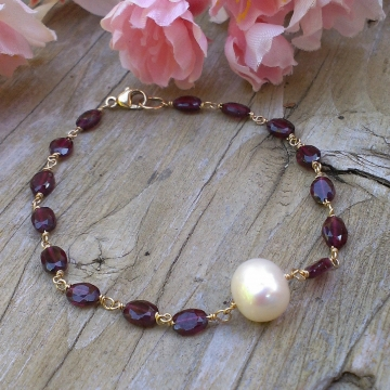 Garnet & Gold Links with Large Cream Pearl Focal Centerpiece - 14K Gold Filled